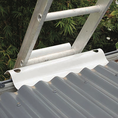 A Ladder Bracket - The safe way to access any roof #safetyfirst ☑️👌🏼
